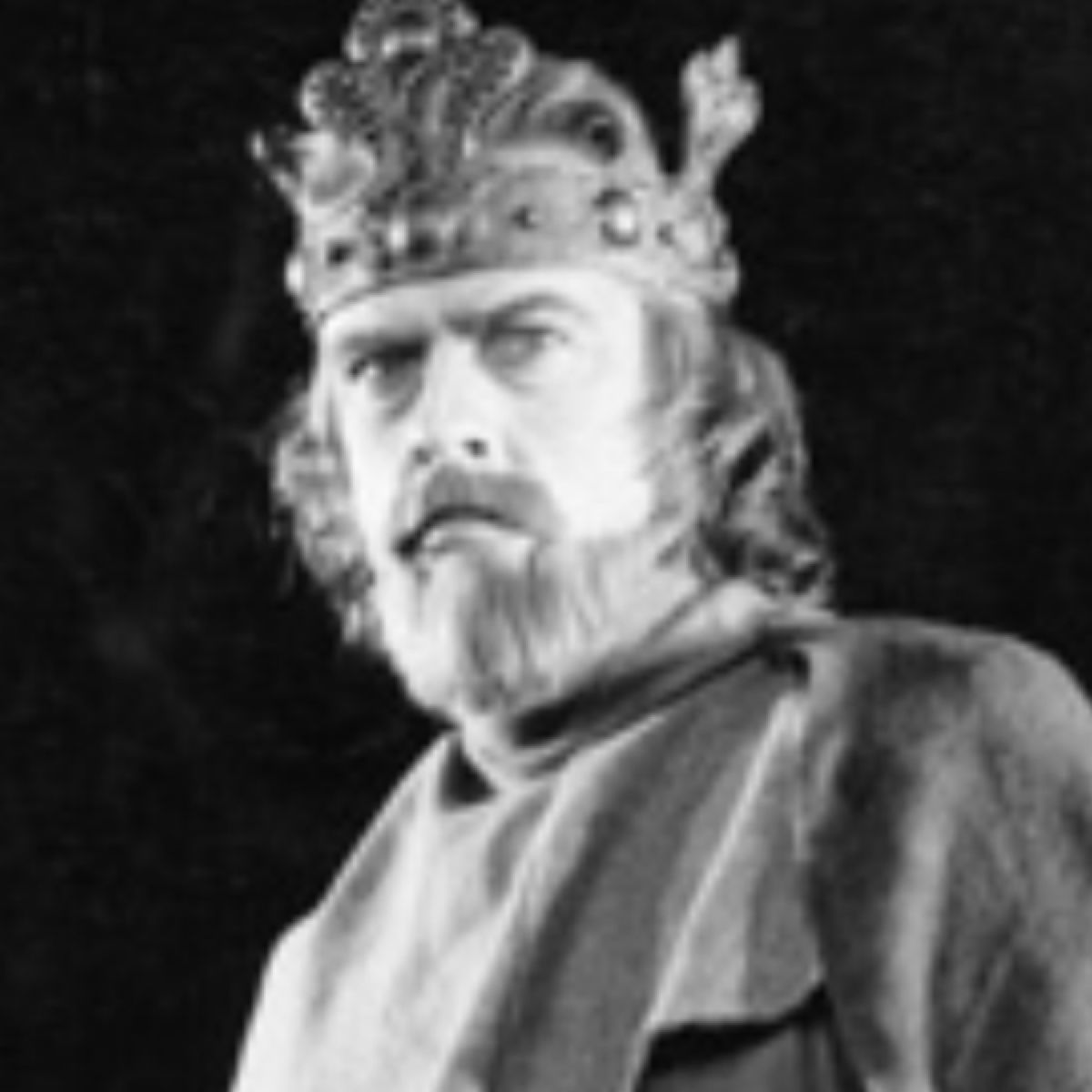 the unfortunate fate of macbeth Such a grisly sight is not one to be easily forgotten by those unfortunate enough to view with the character of macbeth as a tyrannical regicide, it could be a parallel symbol with the fate of those who opposed king james i and the political establishment.