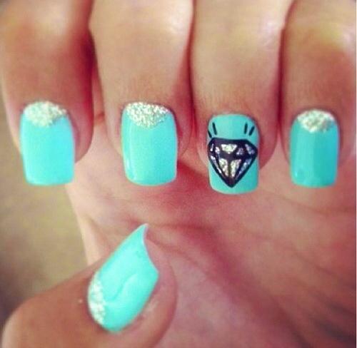 Ногти с алмазом