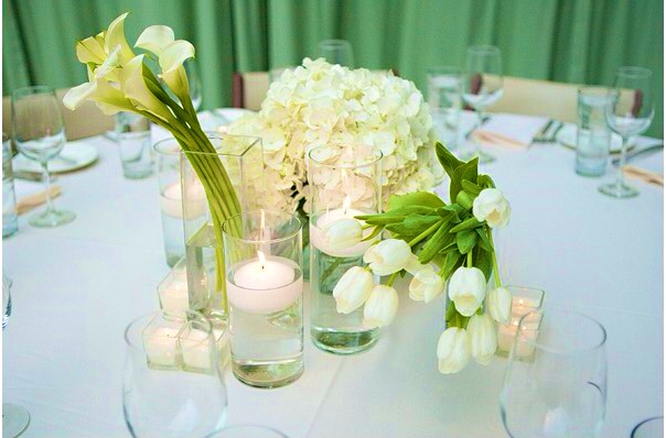 vase avec fleurs et bougies flottantes pearltrees. Black Bedroom Furniture Sets. Home Design Ideas